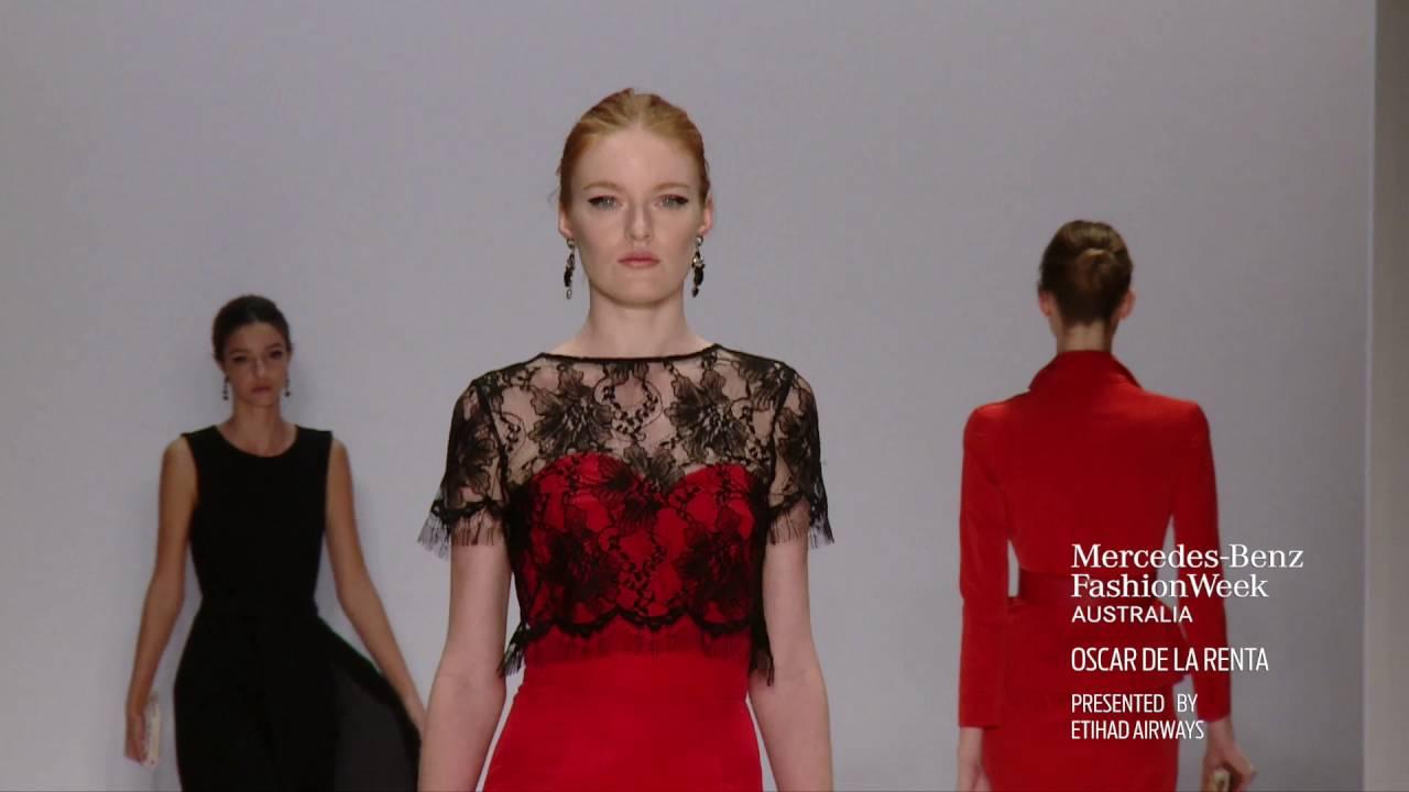 La mercedes benz fashion week 33