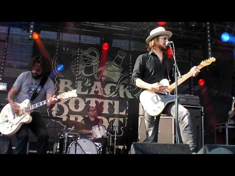 Black Bottle Riot - Wings & Spades / Bright Light City (Live @ Geuzenpop Festival 2012, Enschede)