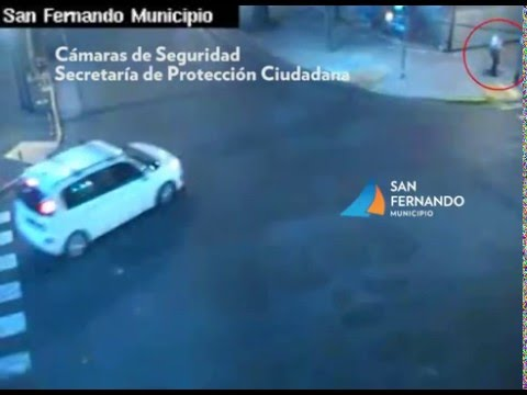 San Fernando - Auto se Incrusta en Heladería