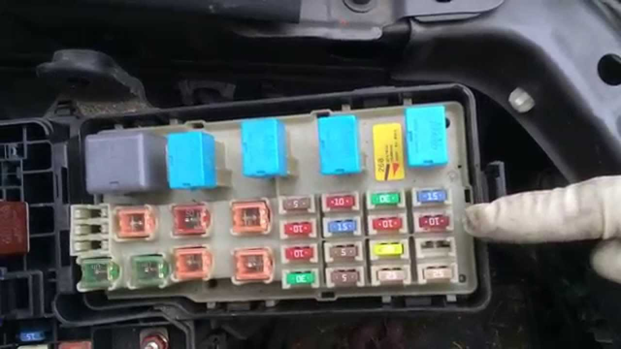 Tech Tip of The Week 2004 Toyota Camry P2118 2 4 Liter Engine  YouTube