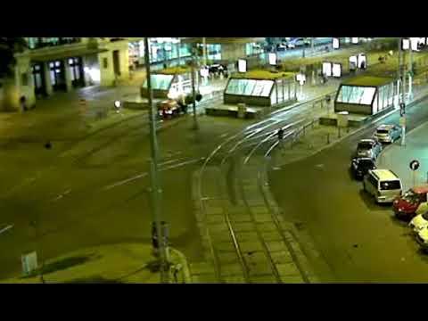 Před hlavním nádražím v Brně vzplálo jízdní kolo