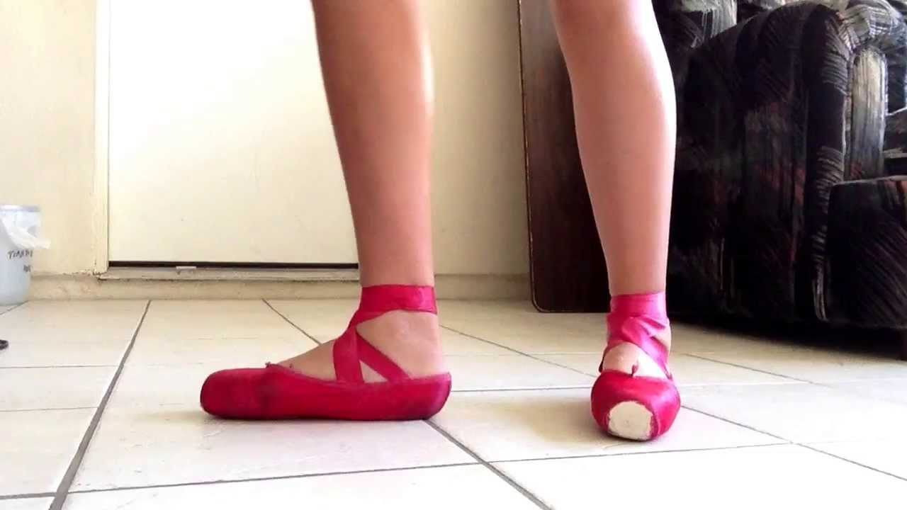 Red Pointe Shoes : Grishko Maya's - YouTube