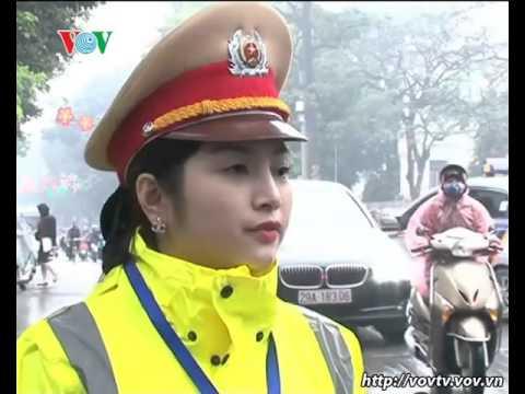 Nữ Cảnh sát giao thông   Những bông hoa mềm mại điều tiết giao thông