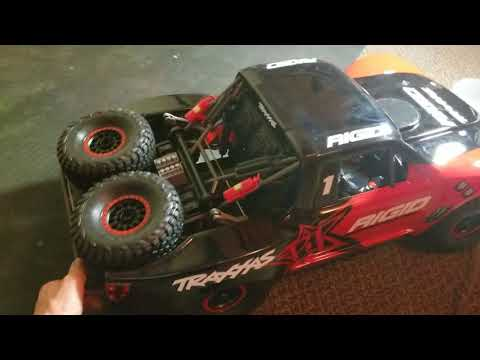Traxxas unlimited desert racer unboxing/my thoughts