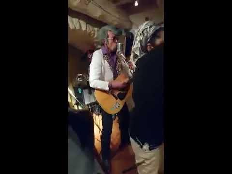 Jessie Soupape et Ecrevis Presley au bar l'AnatoL ivre  Apt 2017