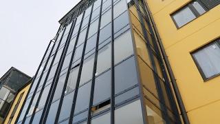 Остекление третьего корпуса «Юттери»(На строительной площадке второй очереди финского городка «Юттери» кипит работа. Сейчас идёт рамное витраж..., 2017-02-10T14:01:08.000Z)