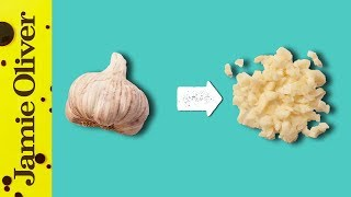 How To Chop Gaŗlic | 1 Minute Tips | Jamie Oliver