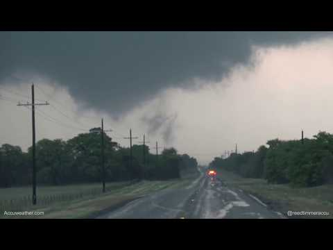 Top 5 most intense tornado chases of 2017