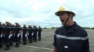 Les pompiers s'entraînent pour le défilé du 14 juillet