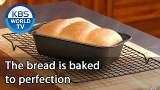 The bread is baked to perfection [Stars' Top Recipe at Fun-Staurant/ENG/2020.10.13]