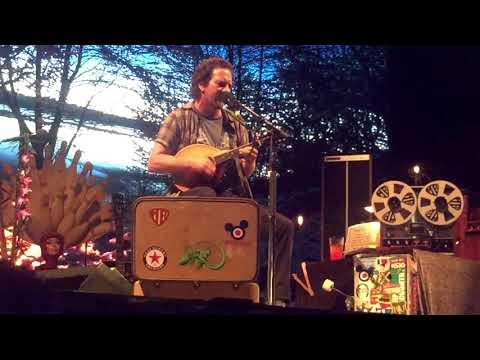Eddie Vedder - Rise (Ohana Fest 2017)