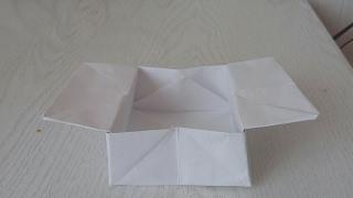Сказка прикол  из бумаги. Очень легко.