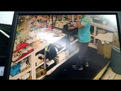Armed robbery at E-Z Mart, Callaway