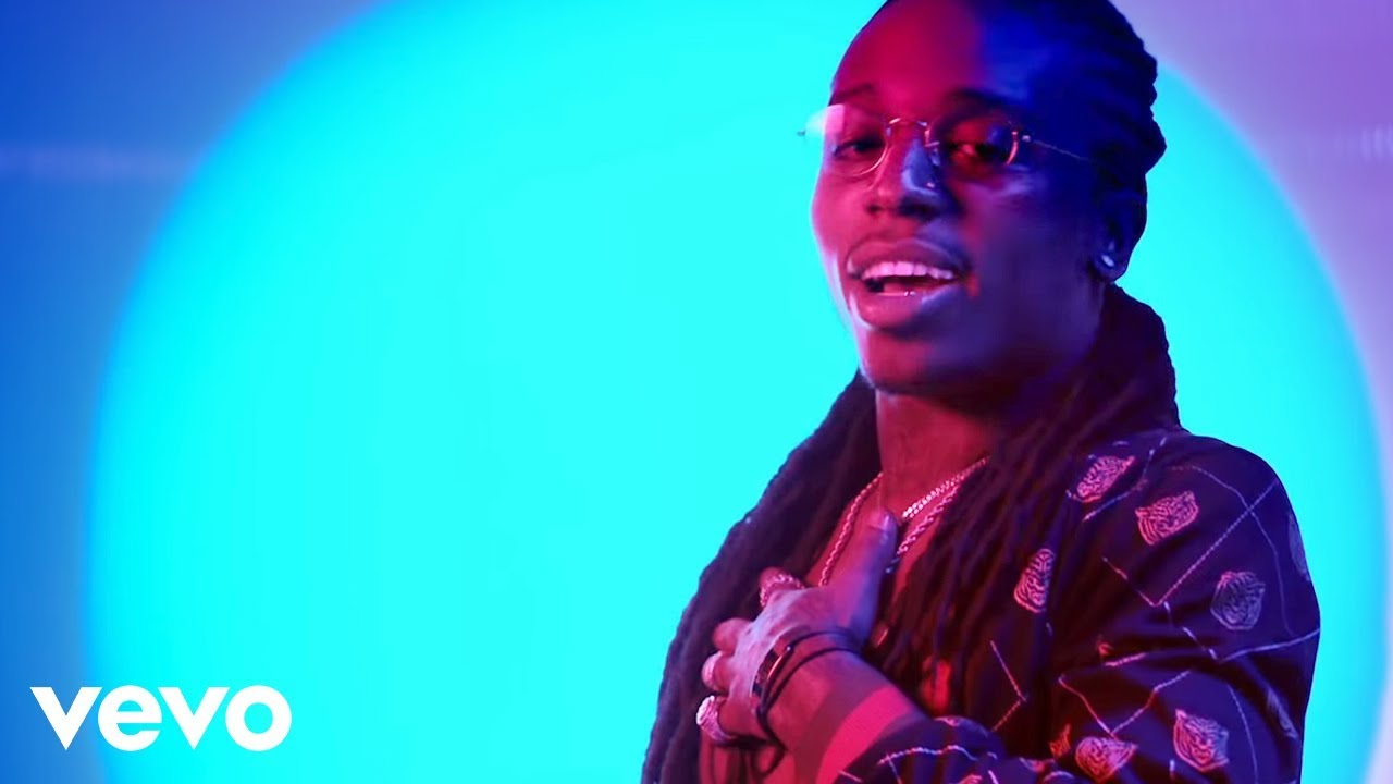 Jacquees - At The Club ft. Dej Loaf