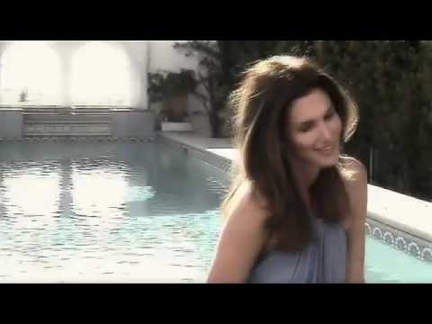 Cindy Crawford – Meaningful Beauty