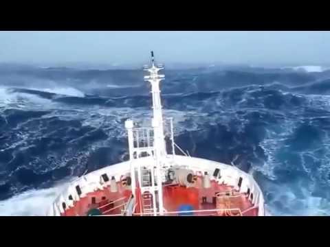 Video Amatir Detik-detik Kapal disekitar Segitiga Bermuda