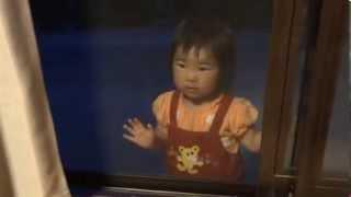 鈴木穂乃香さんです。1歳11ヶ月の時に撮影したものです。 口をパクパク...