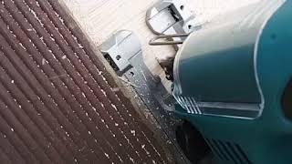방음공사를 위한 자가 직쏘 합판 커팅