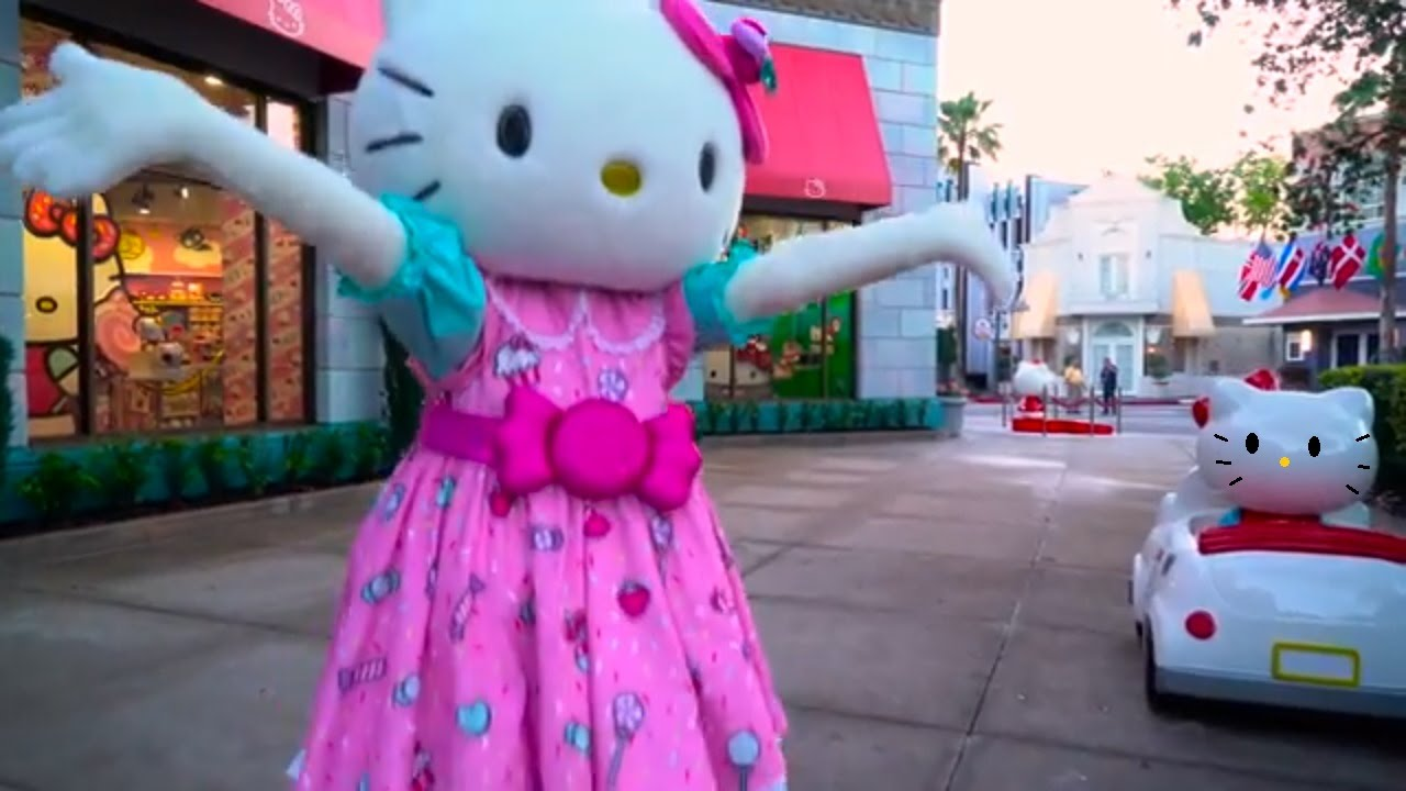 ✿ Hello Kitty и Диана в БАССЕЙНЕ Таблетка и Кресло Hello Kitty .