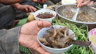 ĂN TÔM SỐNG (Món ăn nói lên con người tây bắc) | Hoa Ban Tây Bắc