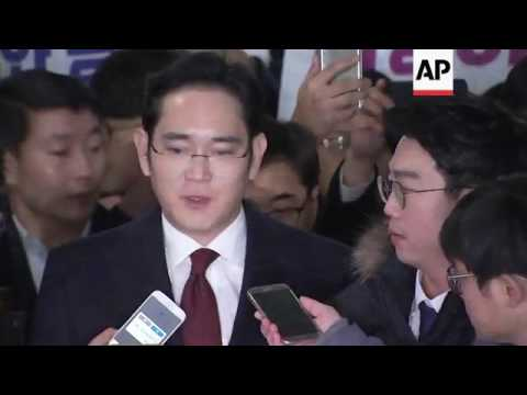 Samsung exec questioned over Park ties