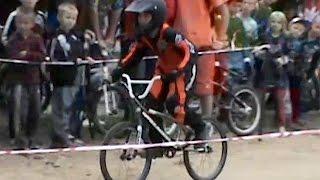 Велогонки без велосипедов(Спортсменам, желающим участвовать в заездах в эту пятницу, совсем не обязательно иметь собственный велосип..., 2015-09-03T12:38:41.000Z)