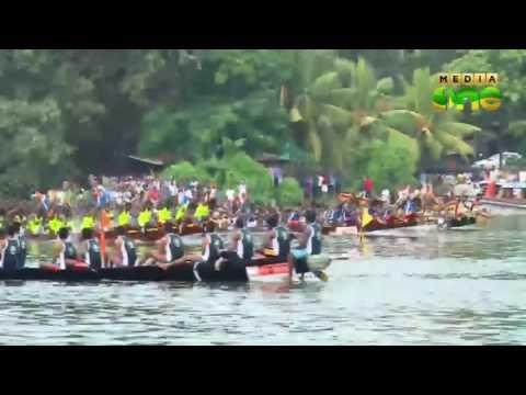Mahadevikkad kaatil thekkathil chundan wins presidents trophy boat race