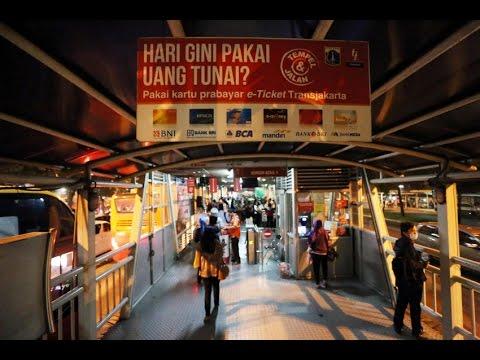 PT TransJakarta Akan Jual Sembako di Halte Selama Ramadan