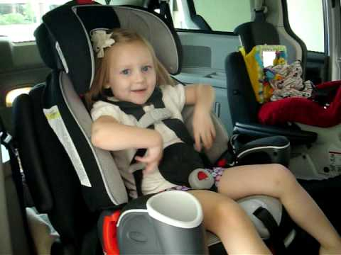 correctly buckle in a child - YouTube