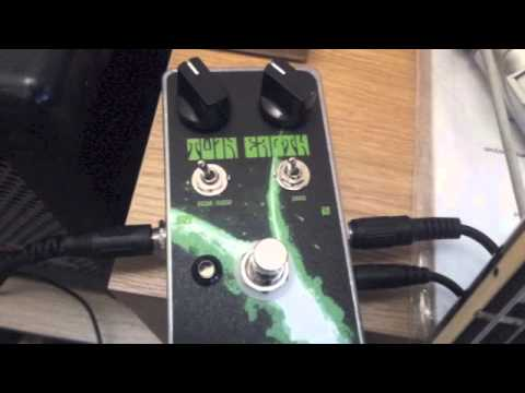 Nine of Swords Twin Earth fuzz pedal demo