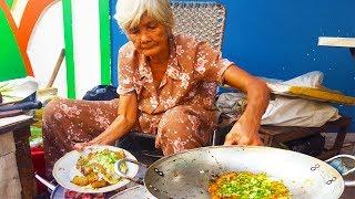 Xe bột chiên Tuệ Tĩnh Cụ Bà gần 80 tuổi hơn 40 năm trên vĩa hè Sài Gòn | street food of saigon