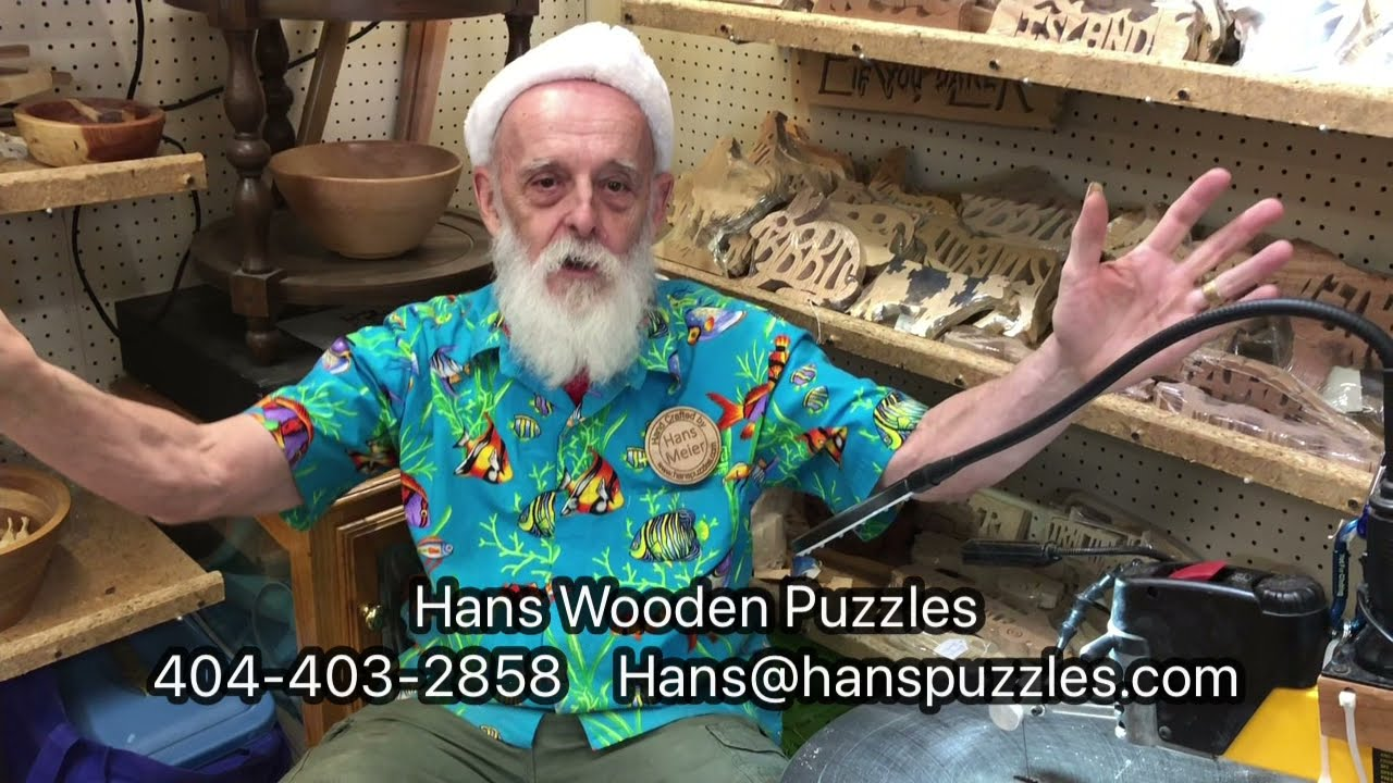 Hans at Lakewood 400 - Back of Hall H - Scroll Saw Artist