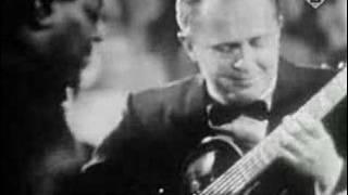 Oscar Peterson Trio - A Gal In Calico