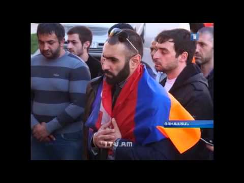 Акция памяти у Армянского консульства (Ростов-на-Дону)
