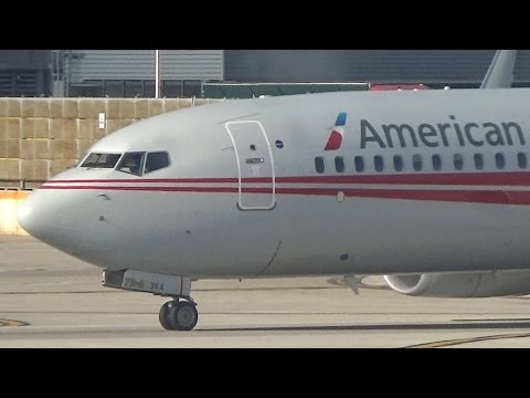 Ground Movements at Chicago O'Hare International Airport (Feat. American TWA 737)!