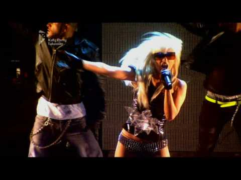 01 Lady Gaga - Beautiful Dirty Rich (Live on Album Chart Show)