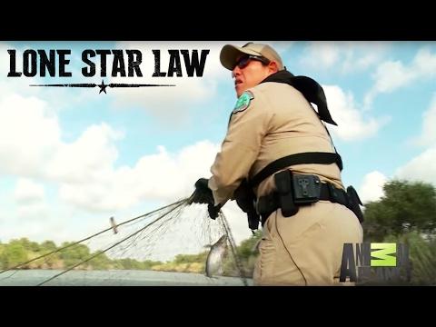 Wardens Carmen and Sosa Find Illegal Fishing Net