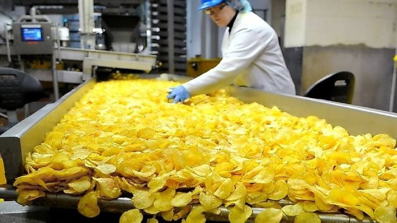 Awesome Automatic Potato Chips Making Machines | Amazing Skills Fast Workers in Food Processing Line - YouTube
