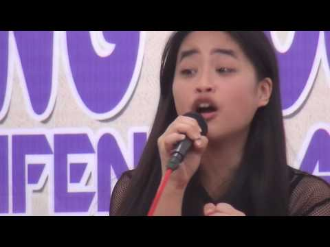 Bintang Vokalia Taruna Remaja Sinode GMIM di Trifena Kaasar Minawerot