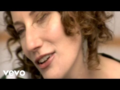 Kathleen Edwards - I Make The Dough, You Get The Glory