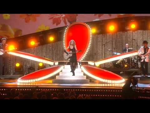 Taylor Swift Our Song CMA Awards 07.avi