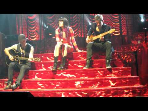 Jessie J LIVE - Heartbeat Tour - Technology|Up|L.O.V.E ACOUSTIC