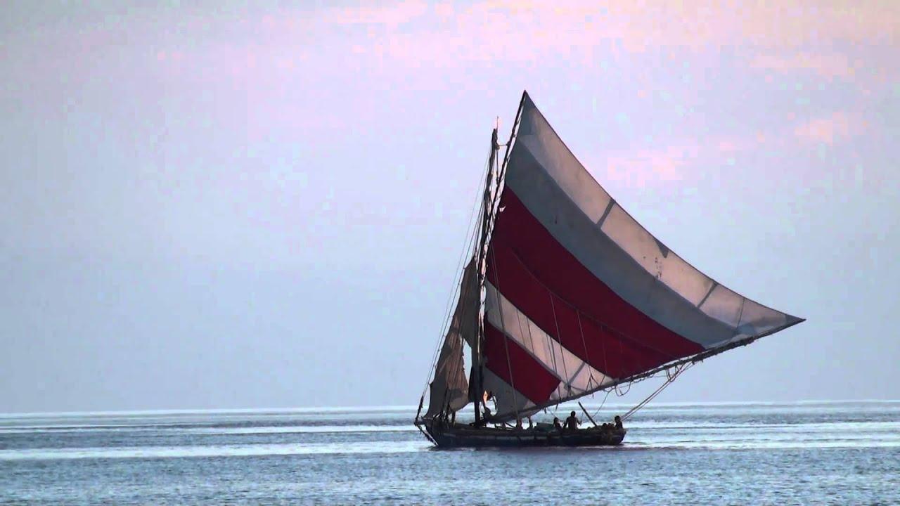 Haitian Fishing Boat (Lateen Sail) - YouTube