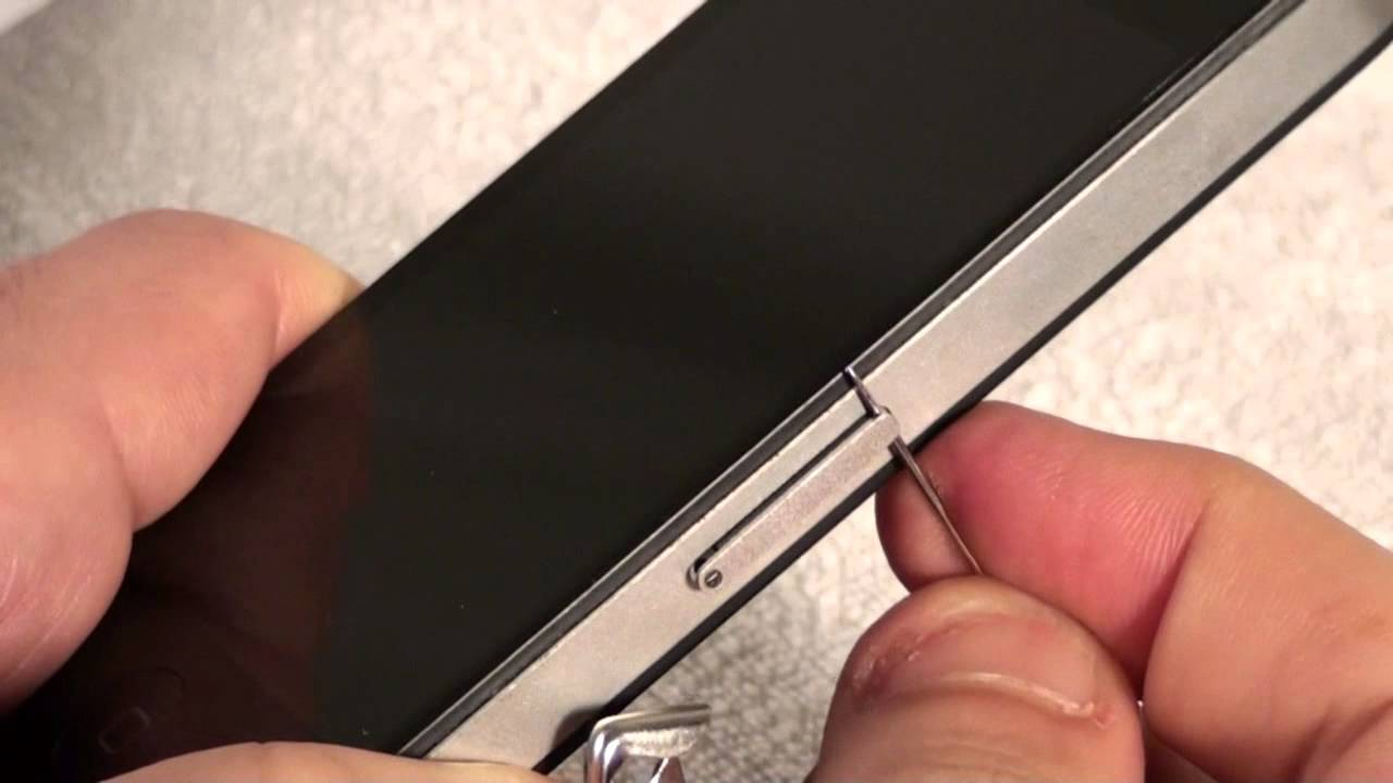 how to remove sim card from iphone 5s iphone 4 how to remove and insert a sim card 8374