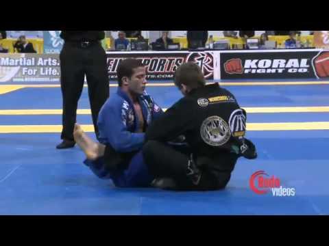 Rafael Mendes x Augusto 'Tanquinho' Mendes   2011 Mundial Finals W Adv