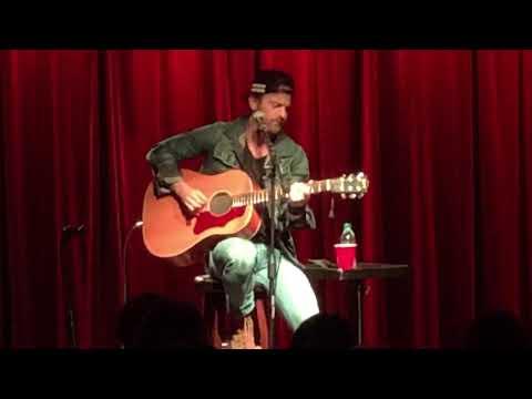 Unduh lagu Kip Moore sings Bittersweet Company gratis