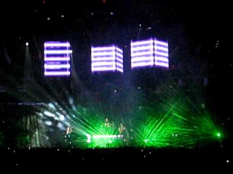 Muse - Undisclosed Desires (live) TD Banknorth Garden, Boston 3/6/10