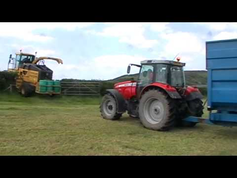 Silaging in Ceredigion (2).