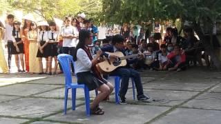 Ước mơ ngọt ngào + chơi guitar ( pé lớp 10)