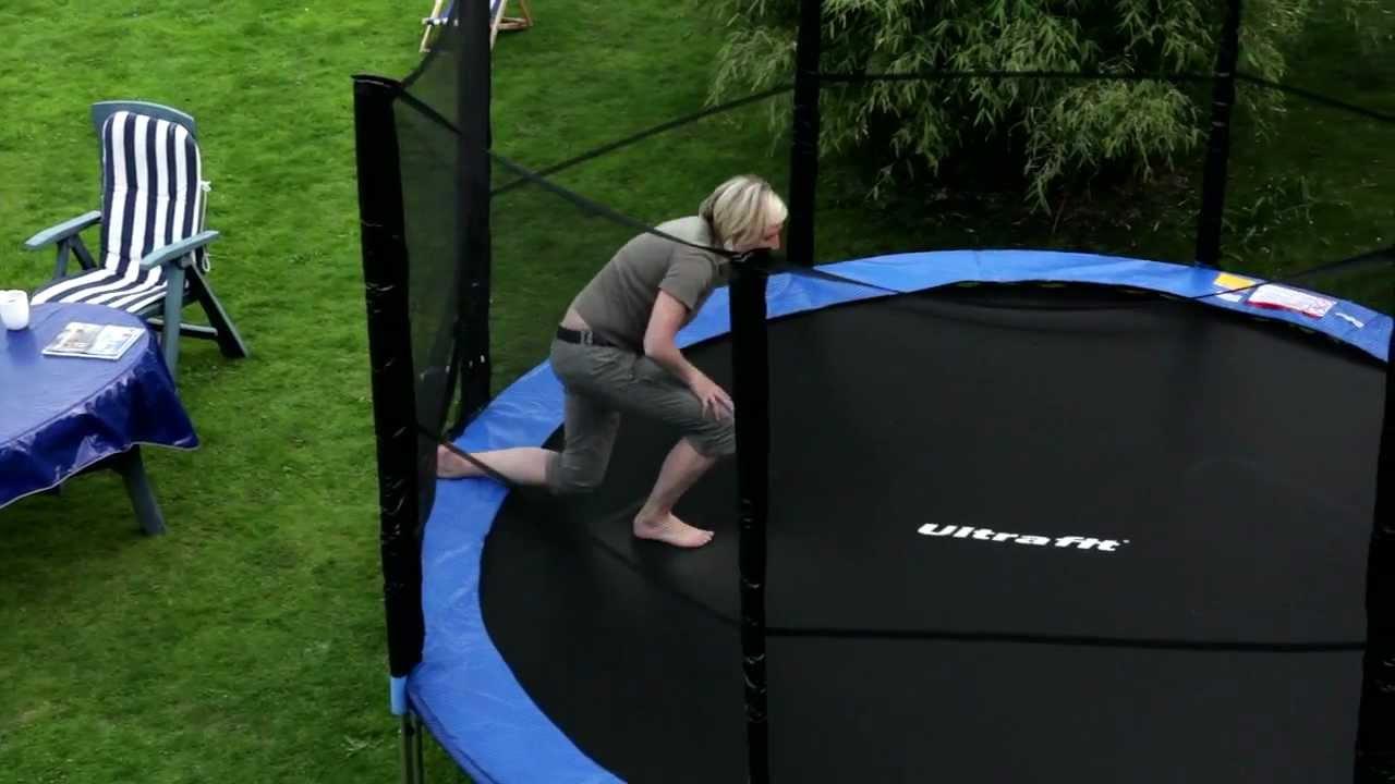 garten trampolin 430 cm mit sicherheitsnetz testsieger von ultrasport ultrafit youtube. Black Bedroom Furniture Sets. Home Design Ideas